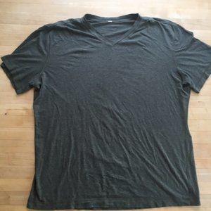 Lululemon Men's Meta Vent Tech V-neck Shirt